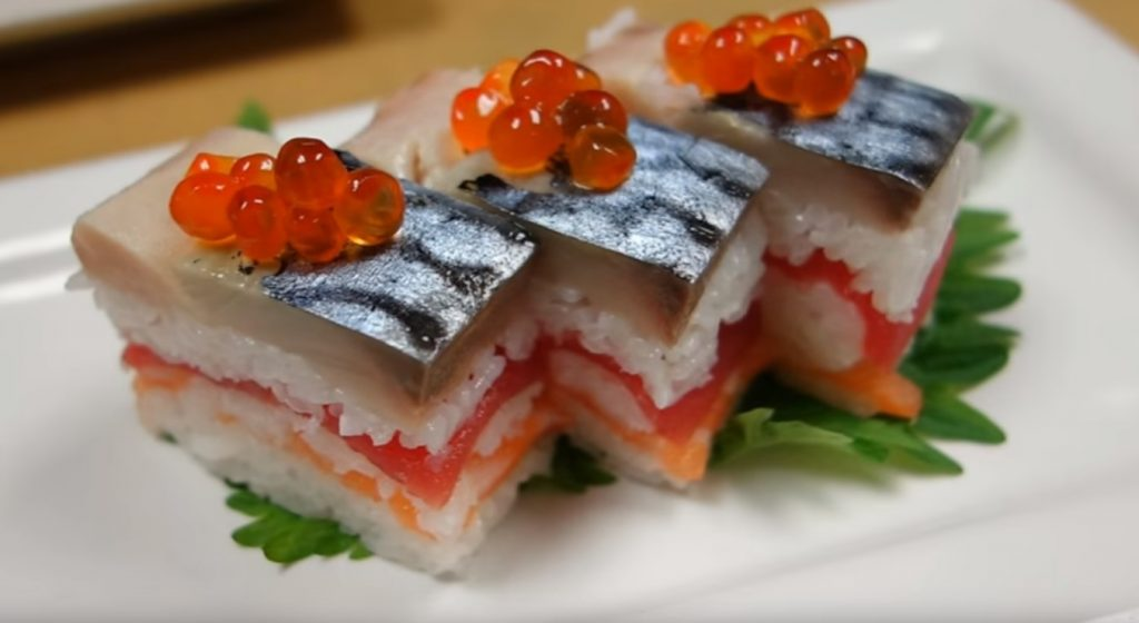 Oshi sushi de caballa y bonito